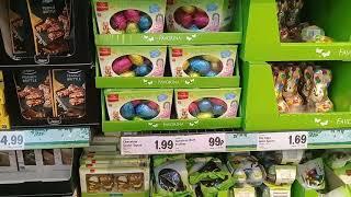 Trứng và thỏ bằng Chocolate được bày bán trong siêu thị Lidl(UK) vào lễ Phục sinh 2019