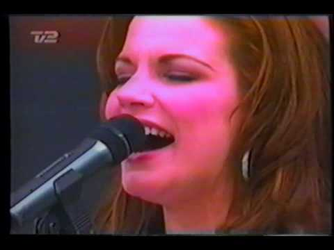 Martina McBride - 07 When God-Fearin' Women Get The Blues (incomplete) - 2002 Olympics (Denmark TV)