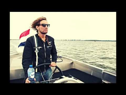Water dream s-850 with wake boarding champion on IJsselmeer