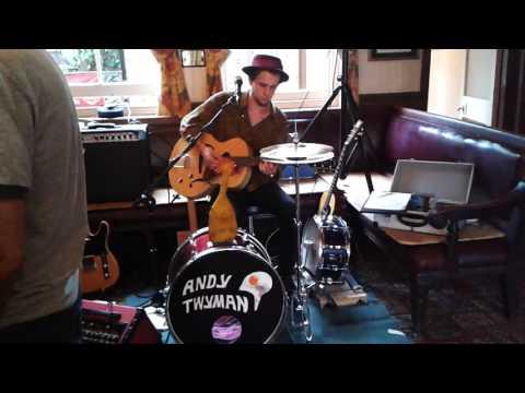 Andy Twyman - One man blues band - Broadstairs Folk Week 2016.