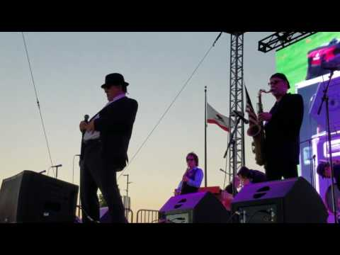 Dan Aykroyd and Jim Belushi of the Blues Brothers!! Irvine Orange County Great Park