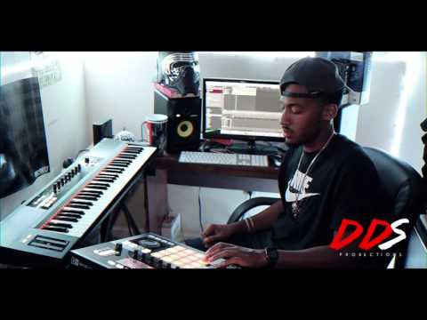 Piano Hip Hop Beat Making Using Native Instruments Maschine!