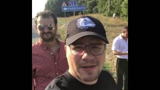 Резиденты Comedy Club записали видеообращение на трассе под Новороссийском