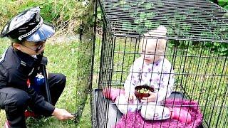 Super cops catch criminal -Makar finge ter uma irmã bebê Stories for Kids