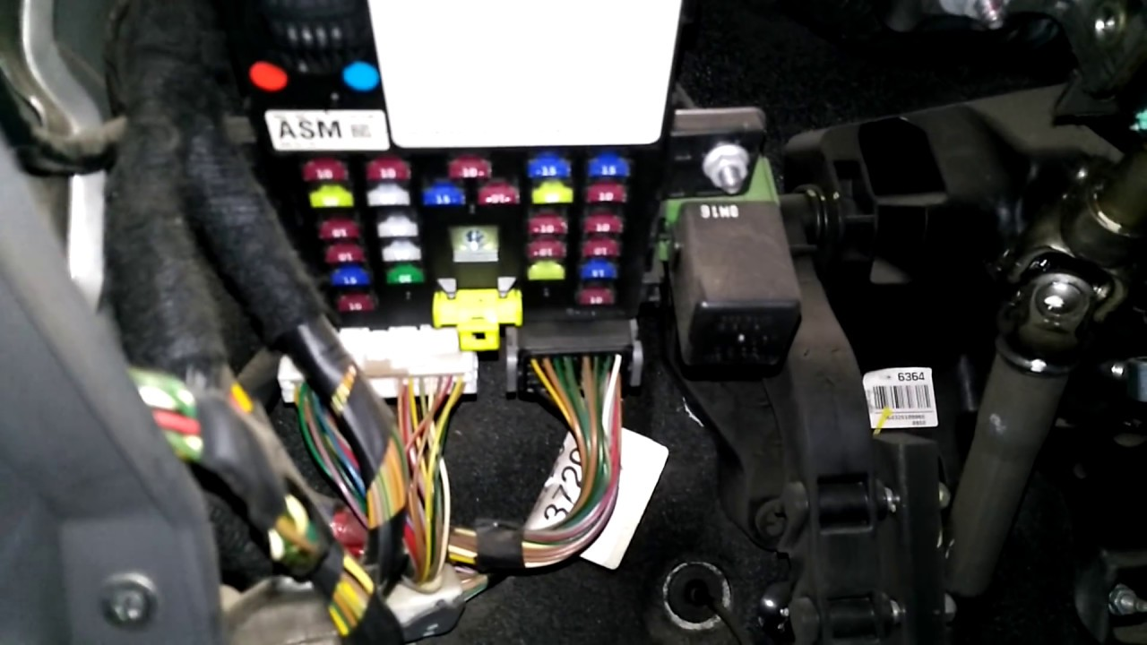 caja fusibles chevrolet spark gt 2011 [ 1280 x 720 Pixel ]