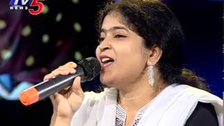 singer usha sings sp sailaja song lalu darwaja laskar mondi mogudu penki pellam tv5 news