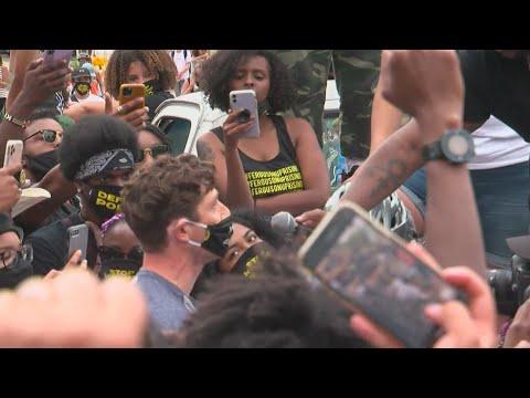 Мэра Миннеаполиса выгнали с митинга Black Lives Matter - 7 Kanal