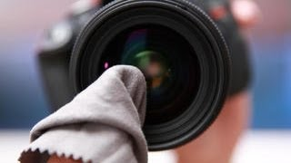 CNET How To - Clean your dSLR lens