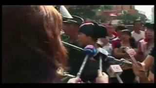 Brave Uyghur girl telling Truth in front of Many Han Chinese Mobs
