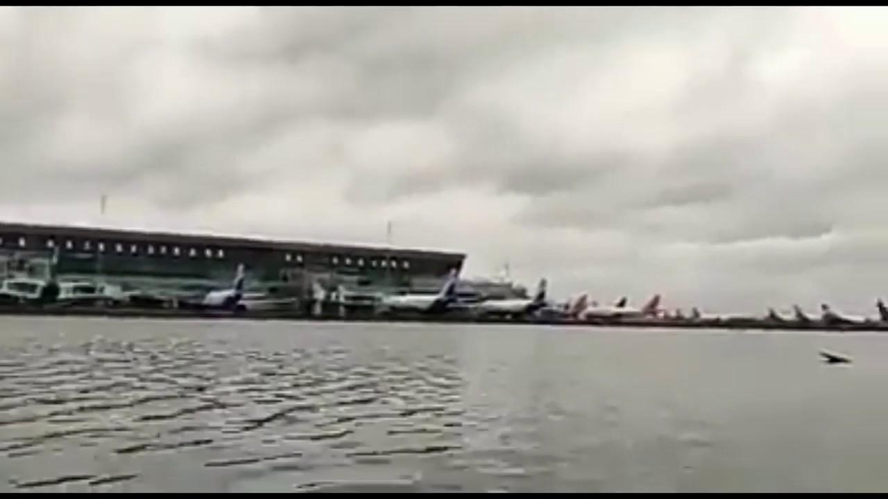 Cyclone Amphan  : Kolkata Airport submerged in water