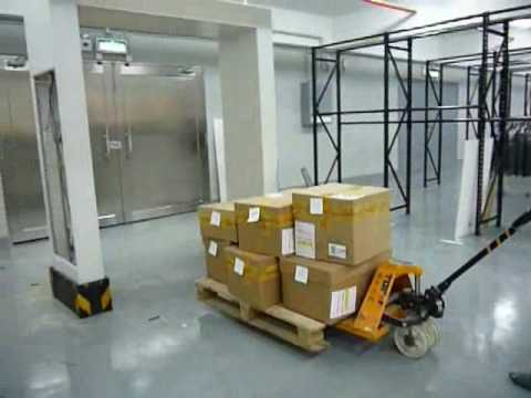 RFID system for warehouse management