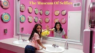 The Museum Of Selfies - Family fun Vlogs
