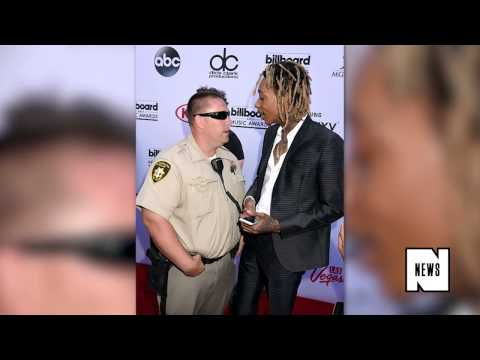 Wiz Khalifa Almost Arrested for Smoking Weed on Red carpet of Billboard music Awards 2015
