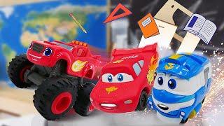 Видео про машинки. Молния Маквин и робот поезд Кей в школе Барби! Время быть героем на географии!