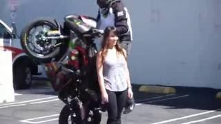Как нужно кадрить девушек на мотоцикле