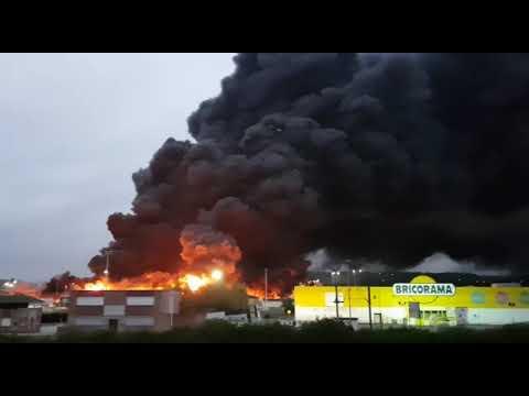 Vieux Rouen Sur Bresle Vidéo Violent Incendie à Rouen