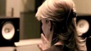 Tina Turner   Sarvesham Svastir Bhavatu x4 times