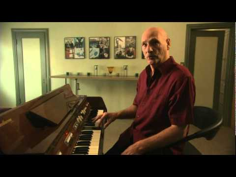 Mike Pinder describes how the mellotron works