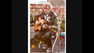 Monochrome (acoustic) played by Yann Tiersen