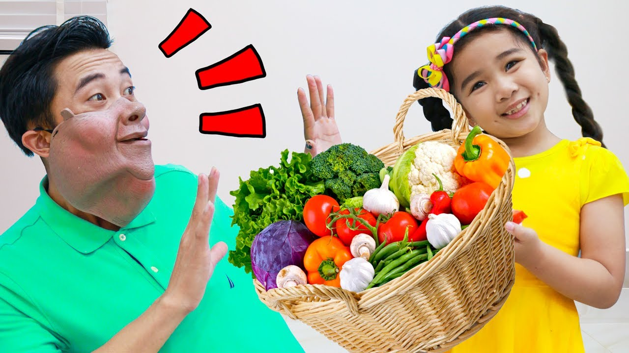 Suri Pretend Play Preparing Healthy Food for Uncle | Kids Teach Adult to Exercise and Eat Healthily