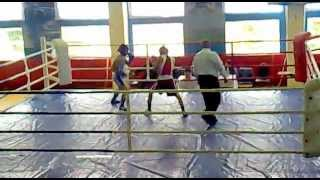 Один из самых лучших боев великого боксера))))
