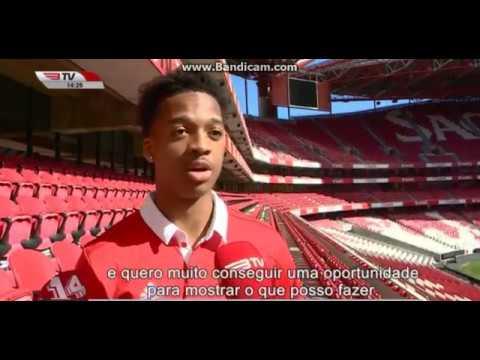Chris Willock é reforço do SL Benfica