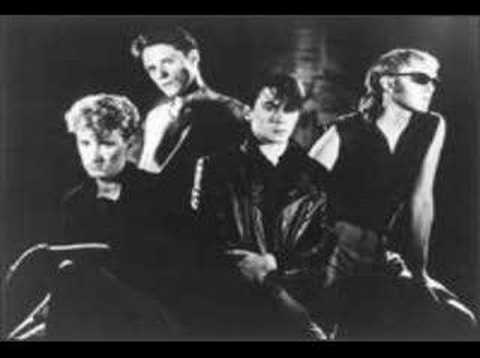 Comsat Angels - Close Your Eyes (Audio)