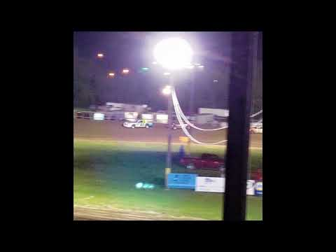 Hobby stock feature race