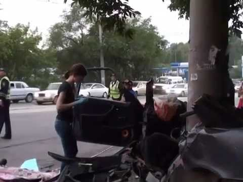 дтп мерседес бенс на ул. волочаевской. видео