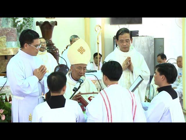 Thánh lễ truyền chức Linh mục và Phó tế tại Giáo phận Vinh - 26.06.2019