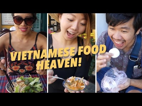 WHAT TO EAT IN HOI AN! Vietnamese Street Food Tour