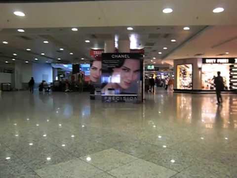Usando a Internet no Aeroport de Frankfurt na Alemanha !!!