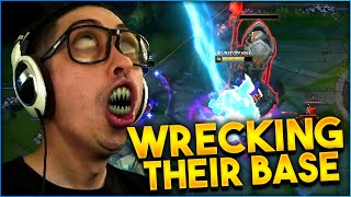WRECKING THEIR BASE DOWN THAT'S THE NAME OF THE GAME | Trick2g