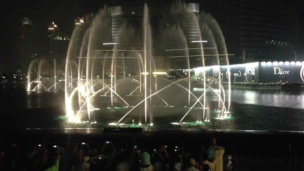 Dubai dancing fountain water beautiful scene - YouTube