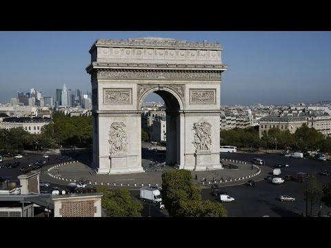 JO 2024 : la place de l'Etoile transformée en vélodrome