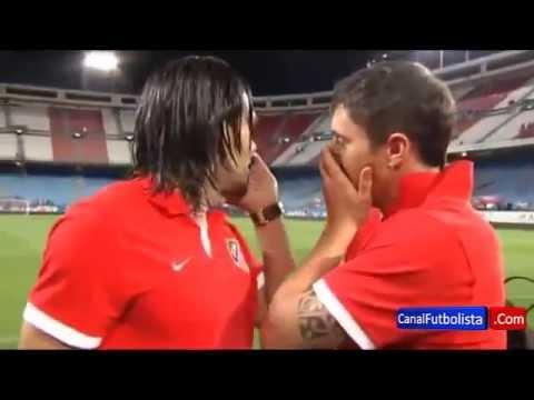 Radamel Falcao se despide de los aficionados del Atlético de Madrid   Atleti vs Mallorca 2013
