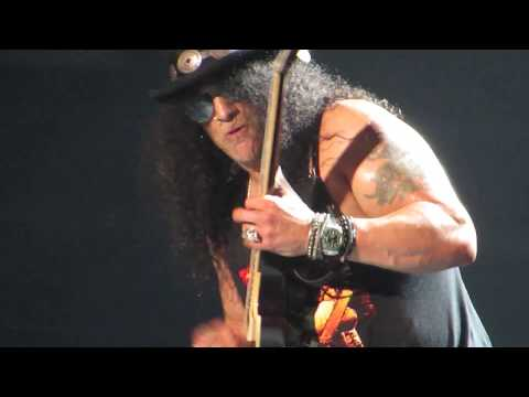 Slash doing Chuck Berry – Carol solo at Guns N' Roses Concert TD Garden Boston 10/22/17