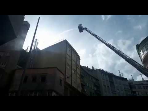 Los bomberos sofocan un incendio en una parrillada en Lugo