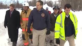 Raw: Gov. Cuomo Tours Snow-ravaged NY Towns