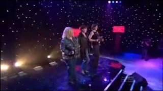 Dancing Queen - Cast of Mamma Mia