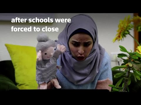 Palestinian teacher uses puppets to educate students online