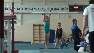 Аня Крайнова на брусьях! 2.04.2016.