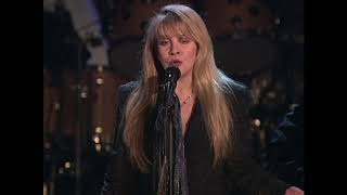 Members of Fleetwood Mac perform Landslide at the 1998 Hall of Fame Induction Ceremony