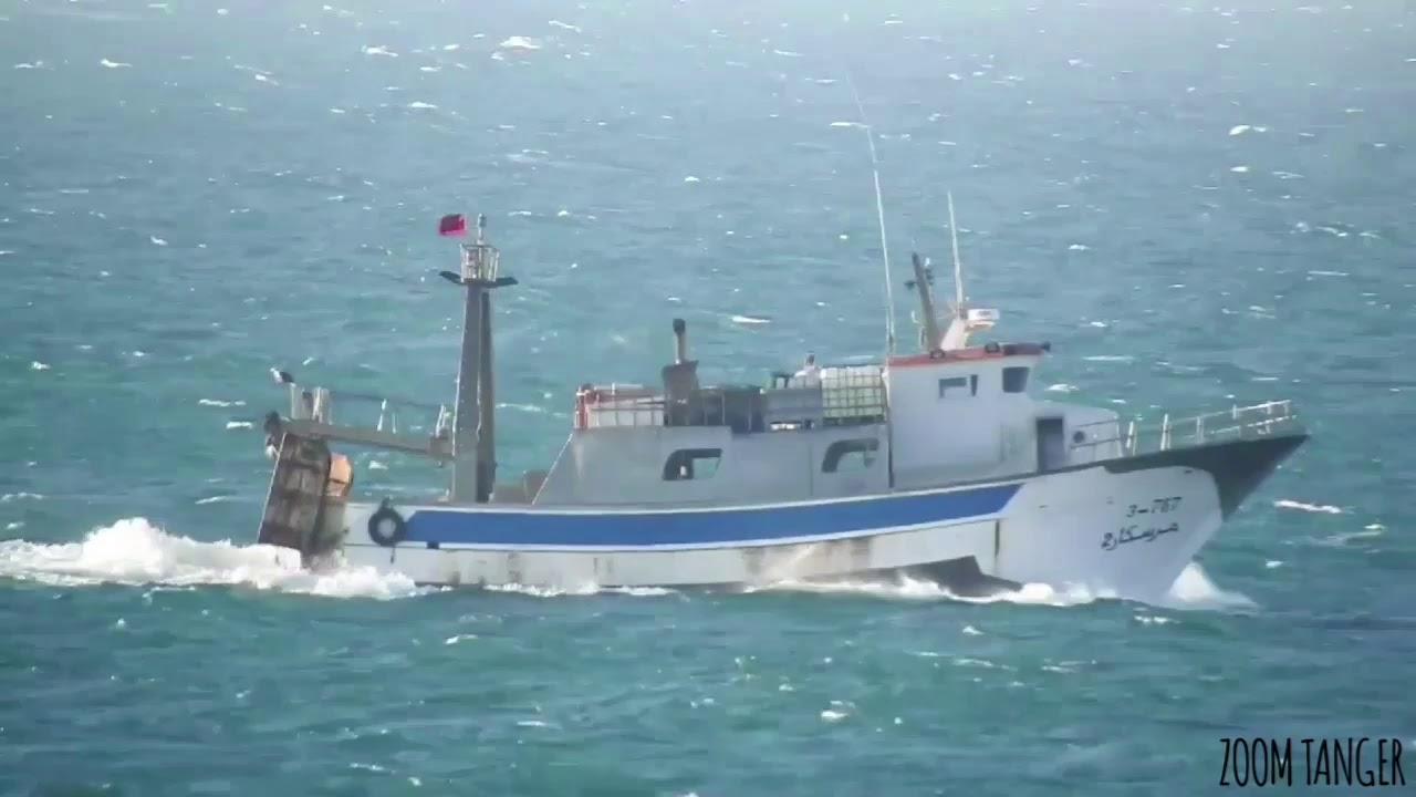لقطات خيالية لبعض سفن صيد متجهة في رحلة صيد 2 Youtube