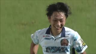 最終ラインの裏を取った中川 風希(琉球)が相手GKと1対1の局面を迎える...