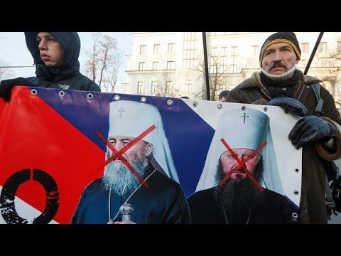 Ukraine's Orthodox Church makes historic split from Russia