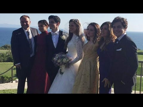 Thumbnail: Selena Gomez Reunites with Wizards of Waverly Place Cast for David Henrie's Wedding