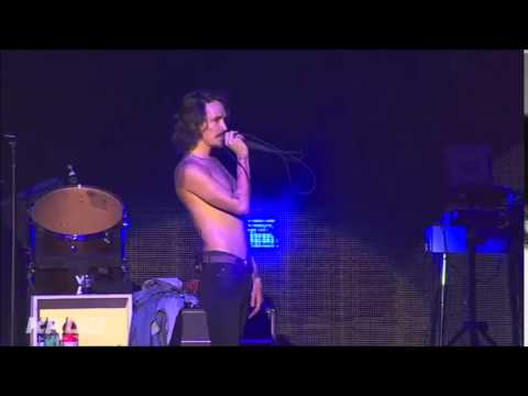 Incubus - He needs me (Shelley Duvall Cover ) (live @ KROQ Almost Acoustic xmas) 12.13.2014
