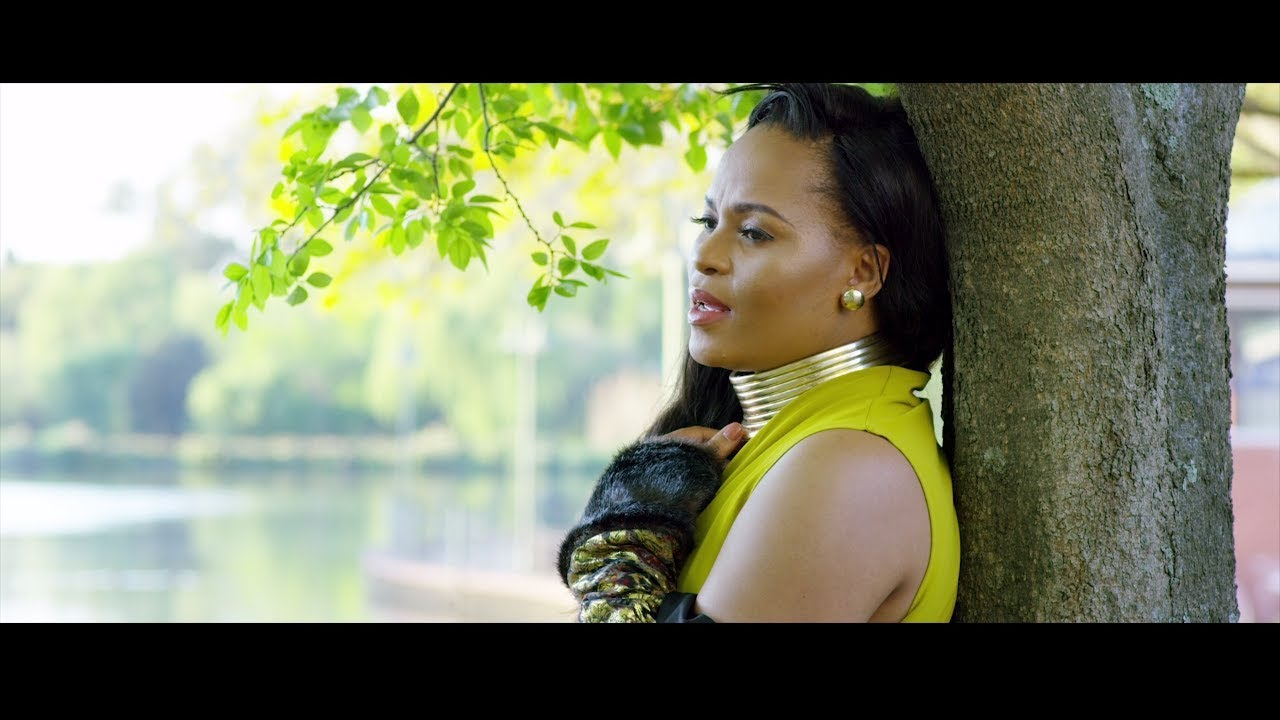 Bucie ft Mobi Dixon - Love Me Right (Official Music Video)