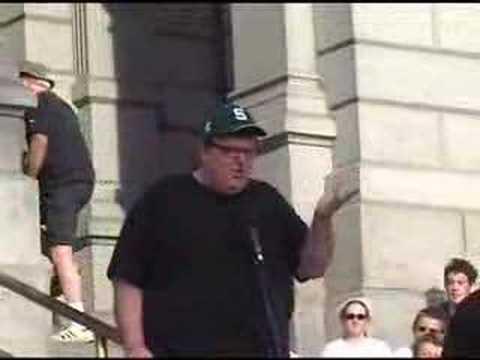 "Michael Moore Shrugs Off Wacko at ""SiCKO"" Promo"